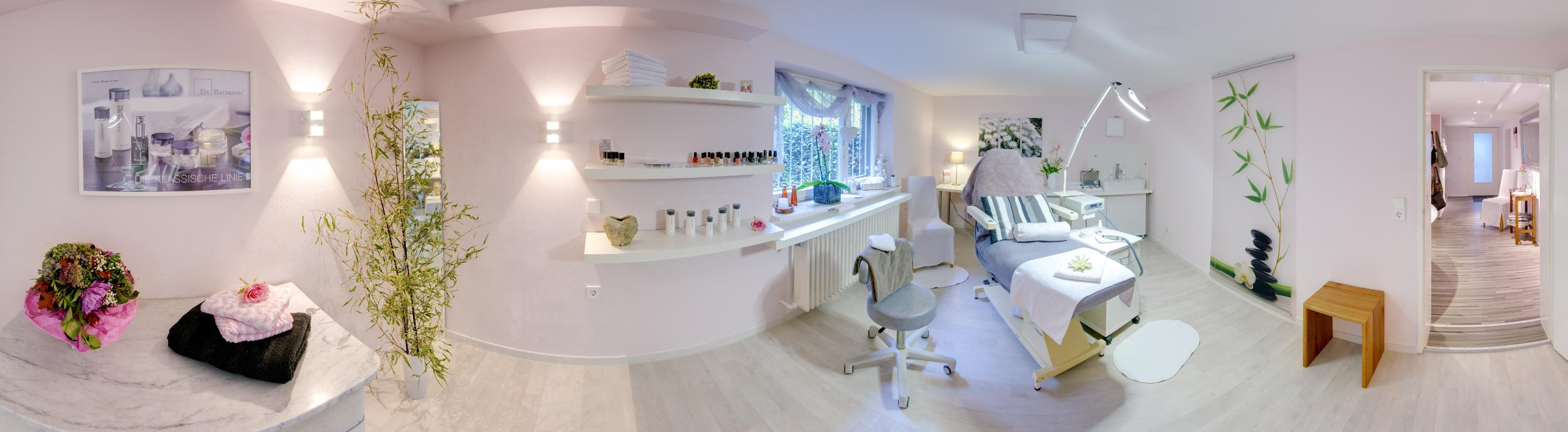 Behandlungsraum im Kosmetikstudio Freiburg
