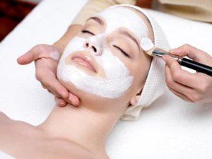 Gesichtsbehandlung